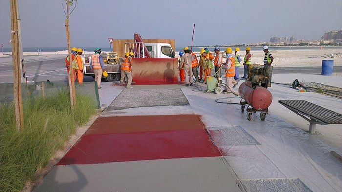 QATAR LUSAIL PROJECT ISONEM ASPHALT PAINT APPLICATION